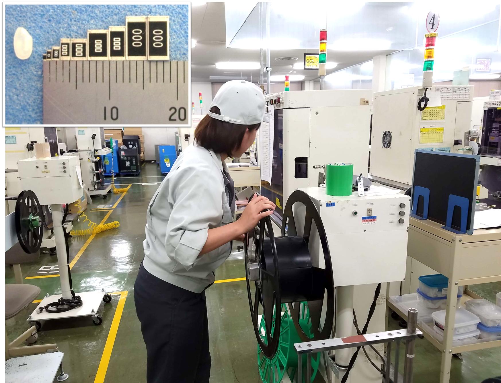 ①8h勤務3交替で高収入!パナソニック工場で電子部品の製造!軽作業・機械オペレーター